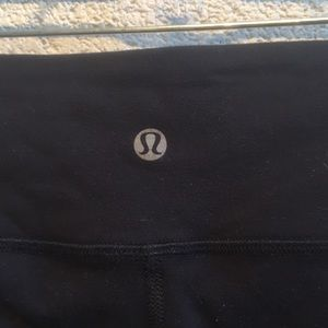 lululemon athletica Pants - Lululemon black cropped leggings size 4 60014